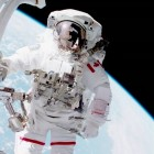 Chris_Hadfield_space_suite
