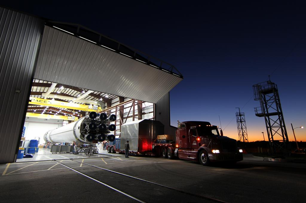 Dragon 3 arrives at Cape Canaveral