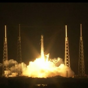 Falcon launch with Dragon on top